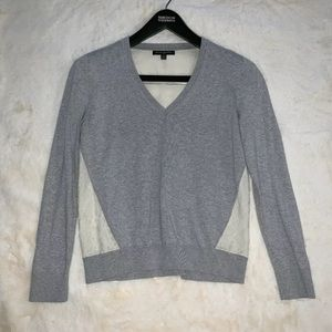 Banana Republic women's V Neck Sweater Sz S Gray